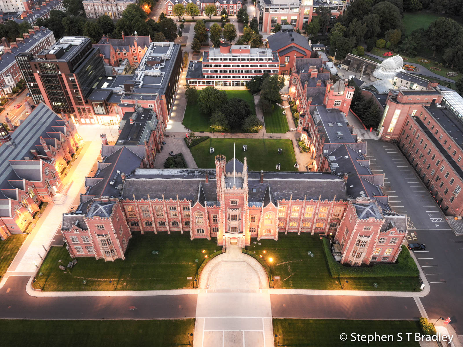 Aerial photograph of Queens University Belfast by Stephen S T Bradley - aerial drone photographer and video production services in Dublin and throughout Ireland. Photo reference 0152